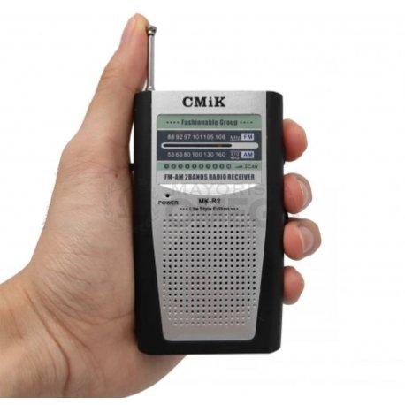 Radio a pila en caja